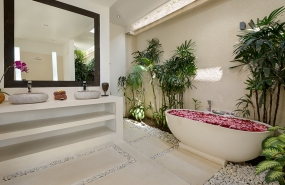 Villa Kyah - Ensuite bathroom