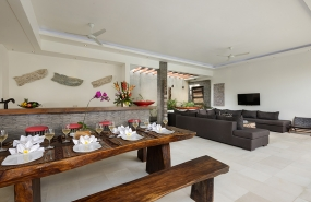 Villa Kyah - Living, dining and kitchen